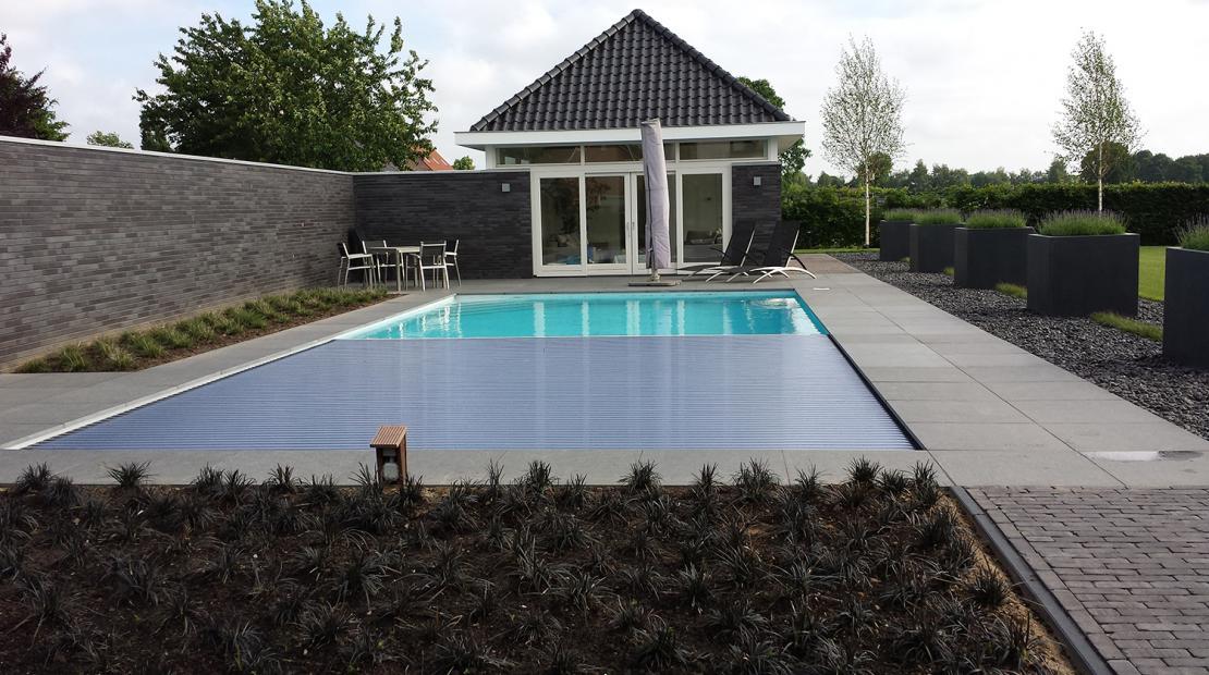Een zwemvijver is een mooi stukje natuur in je tuin clautura for Zwemvijver afmetingen